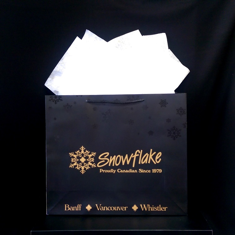 Snowflake Medium Shopper with UV Spot Gloss and Tissue